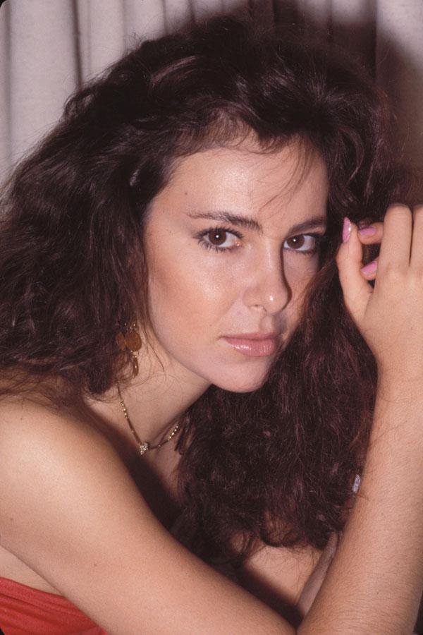 Ana Obregon Nude Photos 19