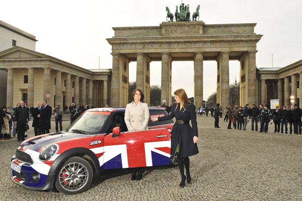 Beatriz y Eugenia de York en la Puerta de Brandenburgo