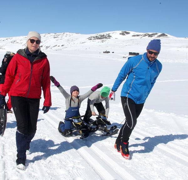 Haakon y Mette-Marit de Noruega con sus hijos Ingrid y Sverre
