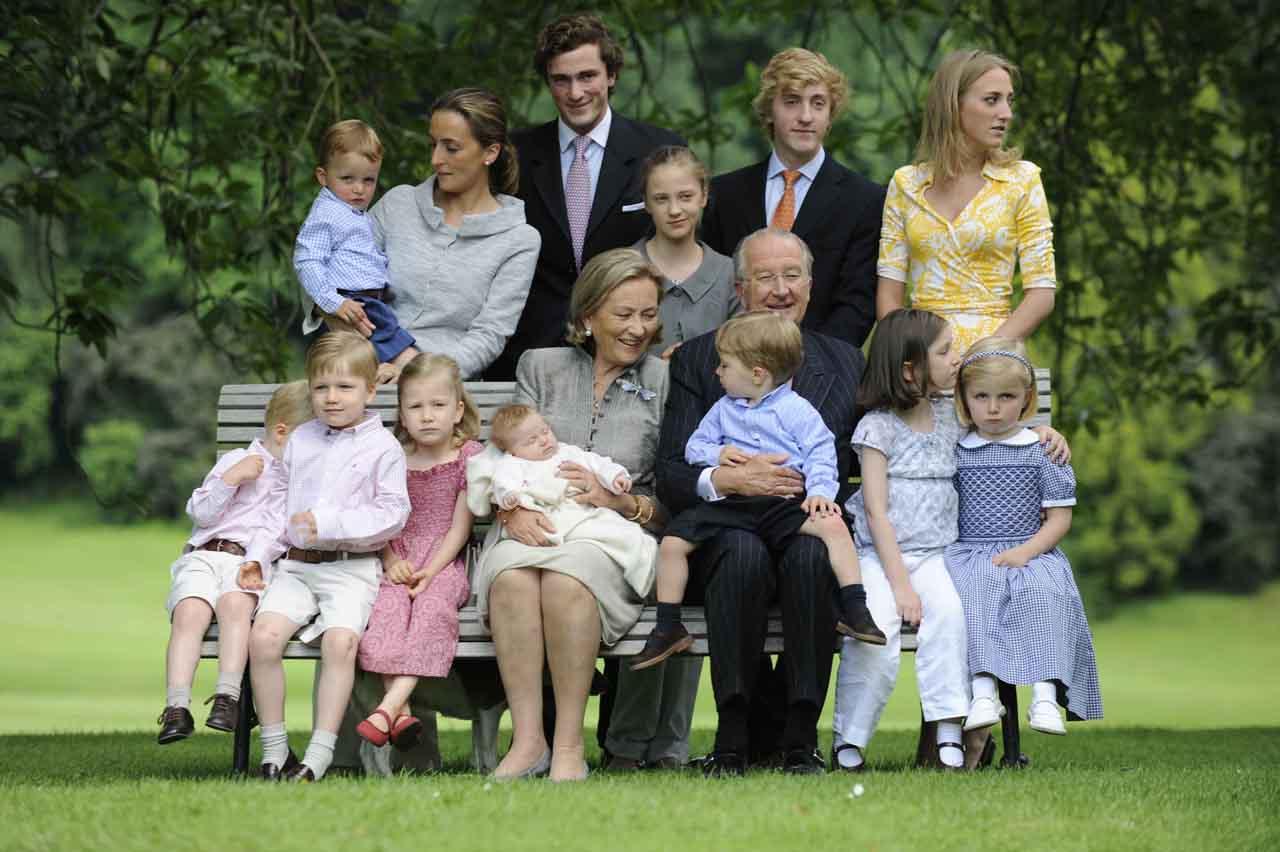 los-reyes-abuelos-orgullosos