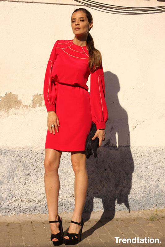 silvia-la-mujer-de-rojo