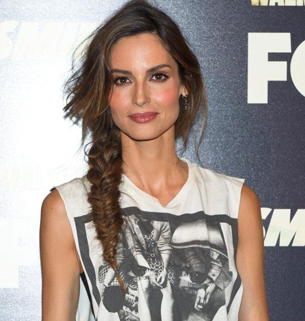 Trenzas El Peinado Favorito De Las Celebrities Inspirate En Ellas - Peinados-con-trenzas-a-un-lado