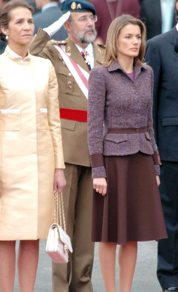 2004-conjunto-de-chaqueta-y-falda