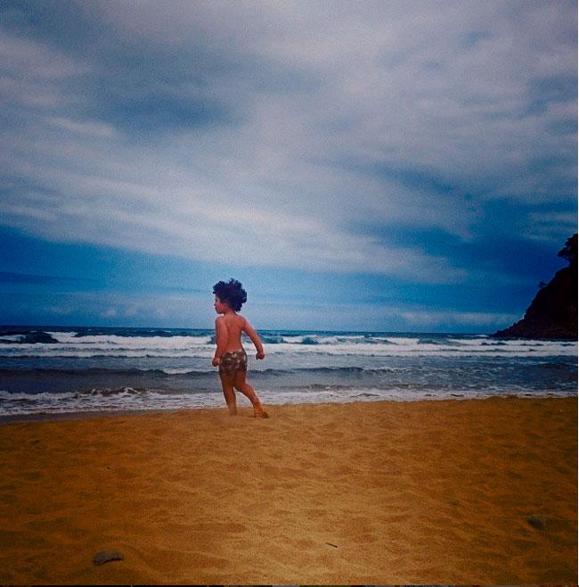 El hijo de blanca romero en la playa for Blanca romero padre de lucia