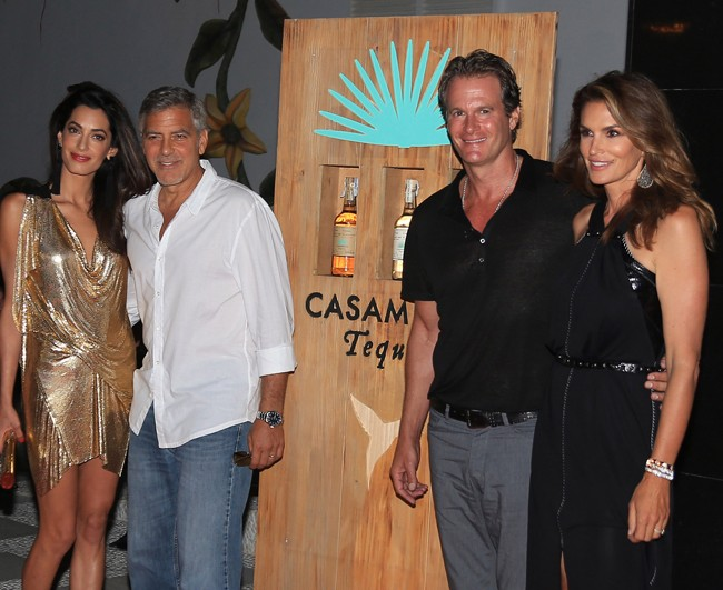 Amal y George Clooney, acompañados de Cindy Crawford y Randy Gerber, este fin de semana en Ibiza