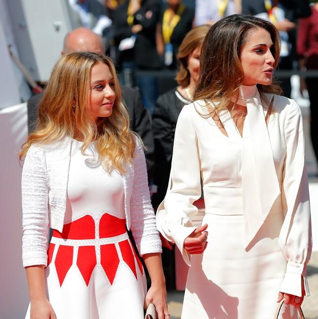 La reina Rania con la mejor compañera de voaje, su hija Imán