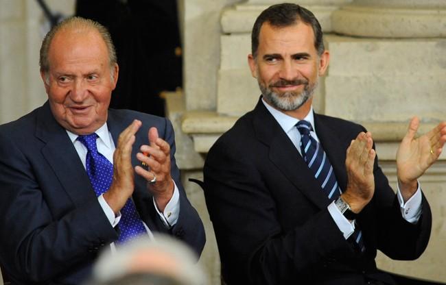 Don Juan Calros se ha mostrado orgulloso de su hijo, el rey Felipe, en la entrevista que le ha concedido esta mañana a Carlos Herrera