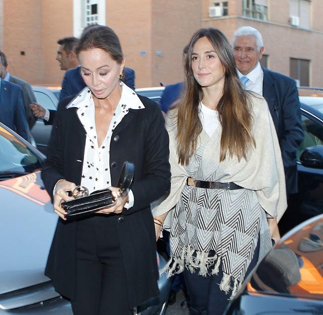 Isabel Presyler, gran amiga de Cari, con su hija, Tamara Falcó