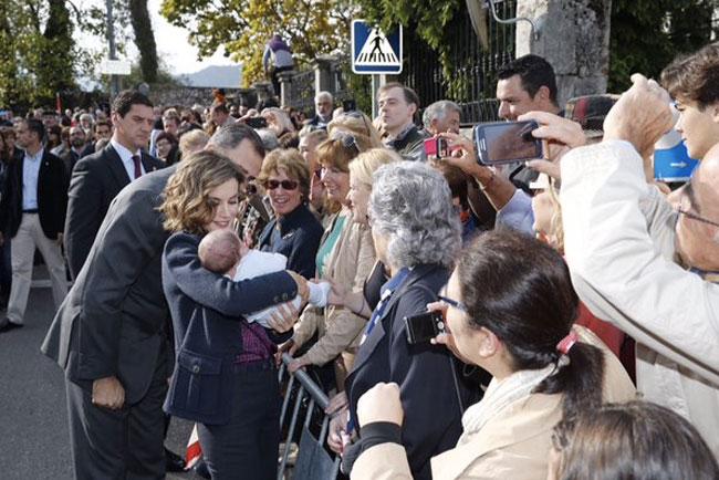 letizia-con-un-bebe