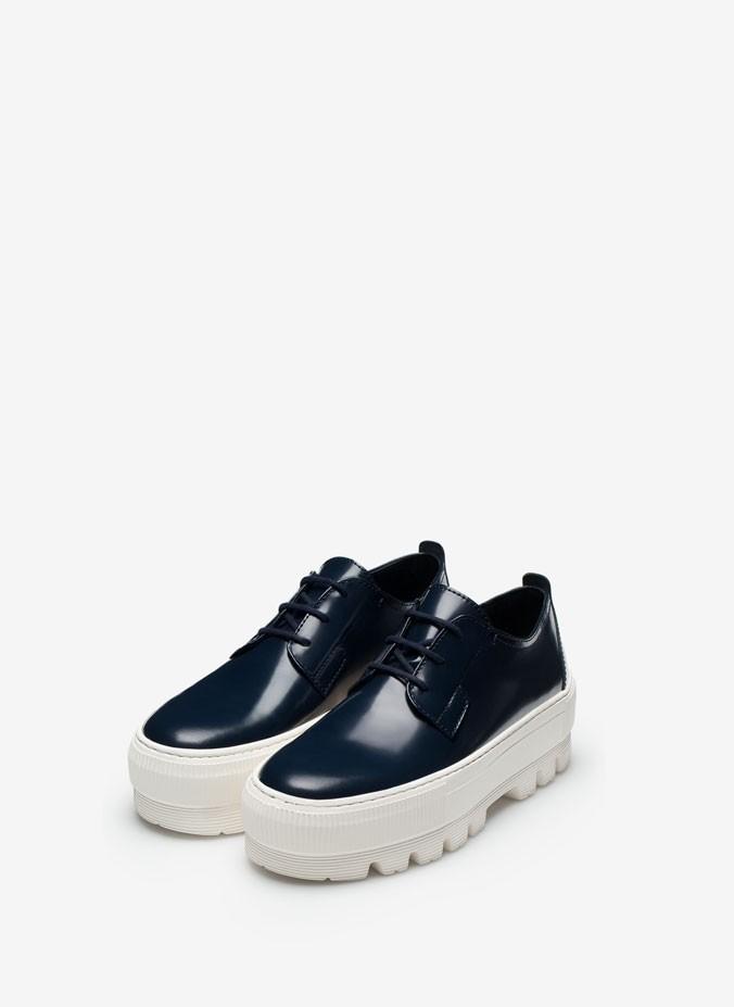 zapato-con-plataforma-de-goma