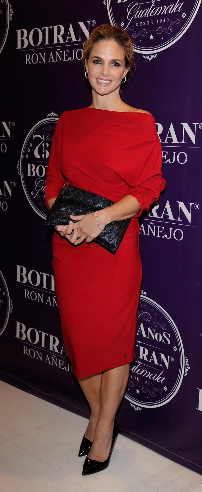 Genoveva Casanova, muy guapa, de rojo ayer en el Casino de Madrid