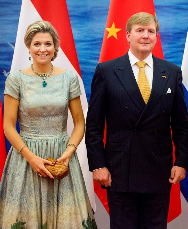"""En un acto de su viaje oficial a China. Máxima mantuvo """"el tipo"""" pese a que ya se encontraba mal"""