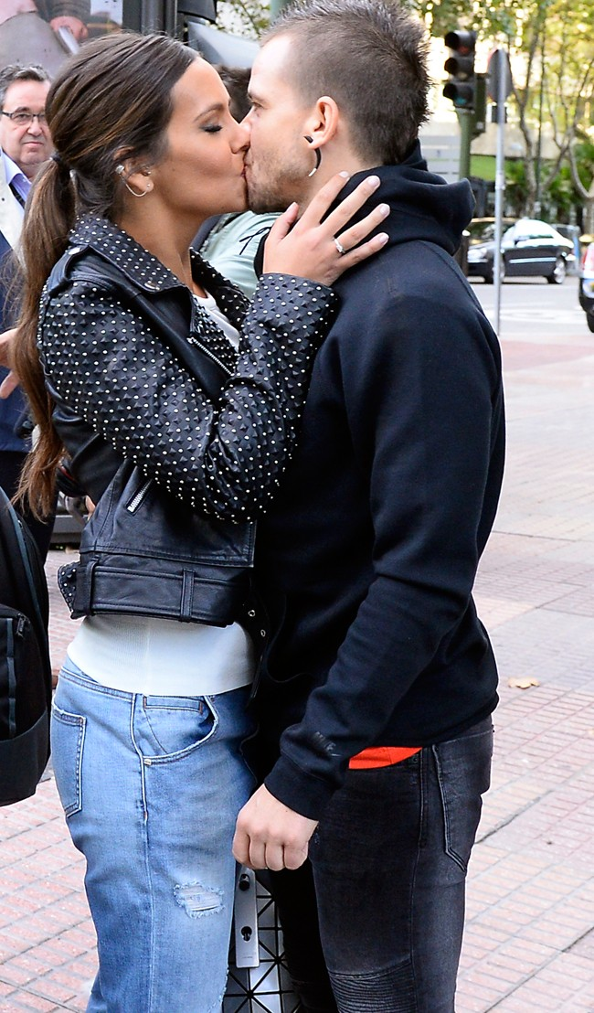 El beso de Cristina y David un día después de anunciar su boda