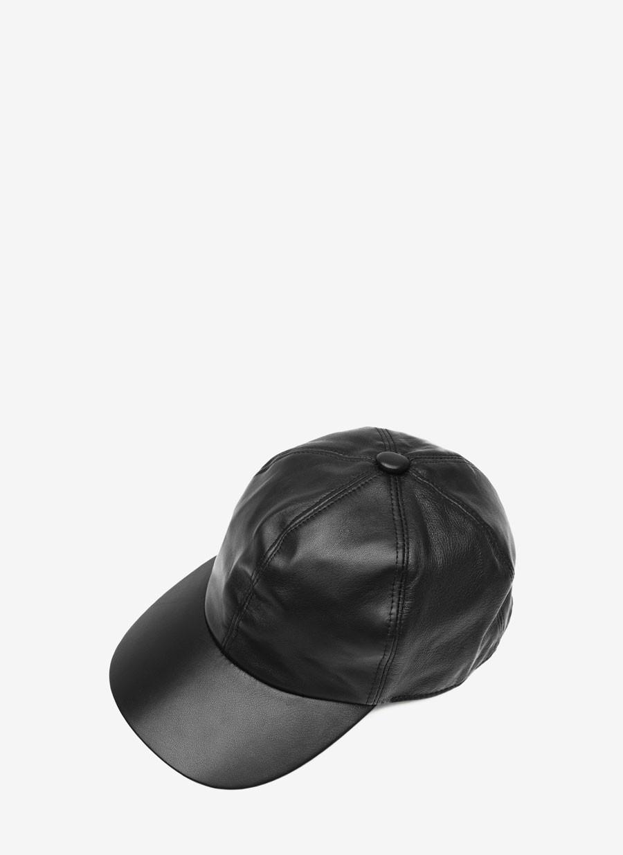 gorra-de-cuero