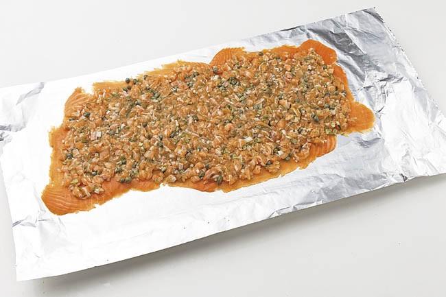 Medallones de salmón con salsa de cebollino
