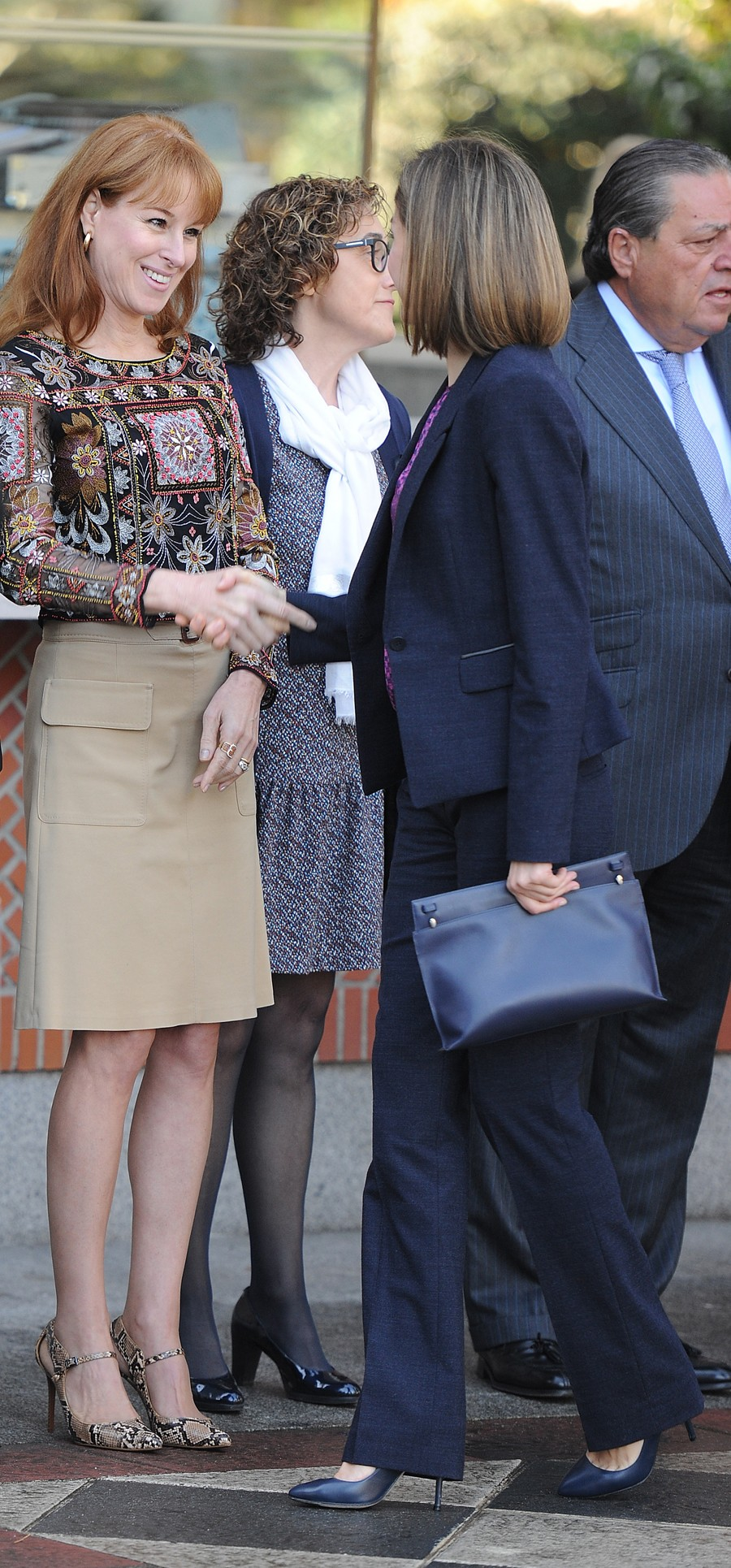 La Reina saluda a Gloria Lomana, directora de Informativos de Antena3