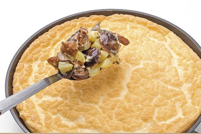 Tortilla soufflé de queso y setas
