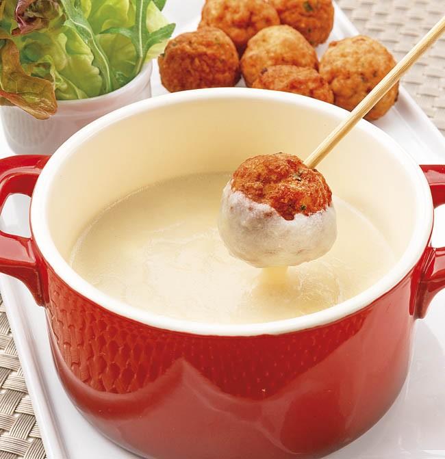 Albóndigas con fondue de queso