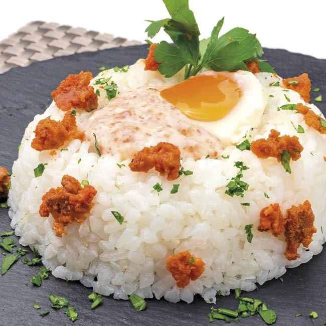 Rosca de arroz con salsa de erizos