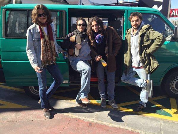 Guillermo Furiase con el resto de la banda 'Albha'