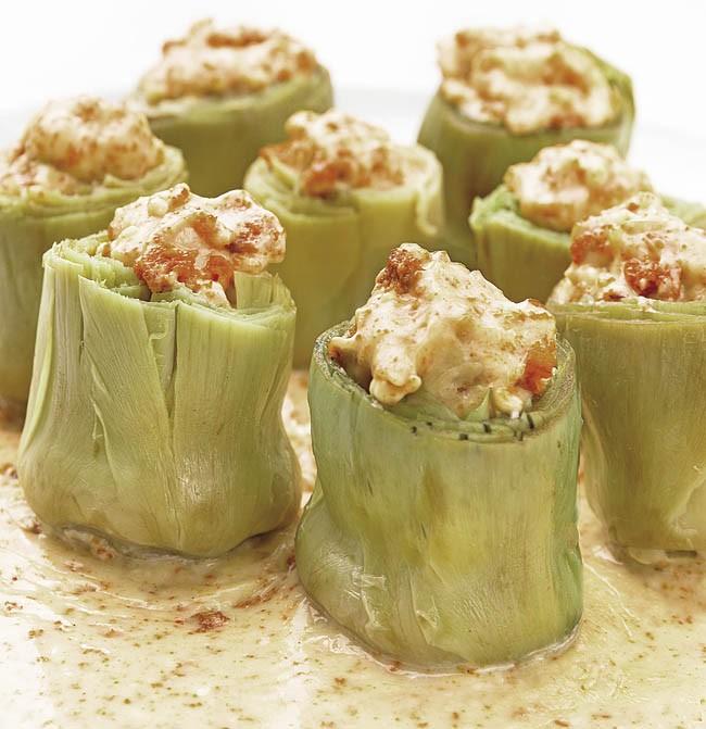 Alcachofas rellenas con salsa de erizos