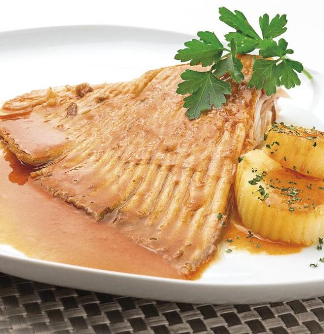 Recetas de alas de raya a la gallega pescados recetas semana for Cocinar raya a la gallega