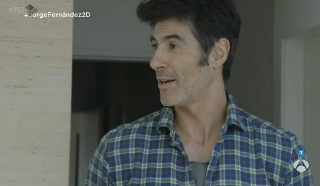 Jorge Fernández en su piso de Bilbao