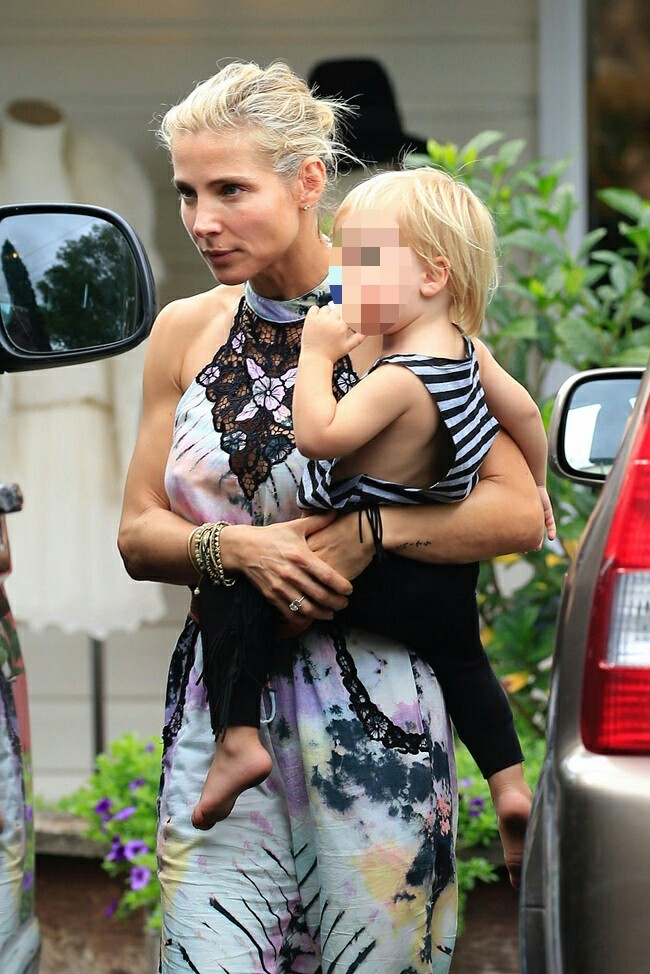 Elsa Pataky con su hijo el pasado sábado en Australia