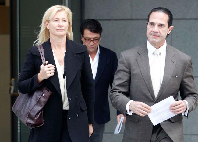 La actriz ha llegado junto a su marido y su abogado.