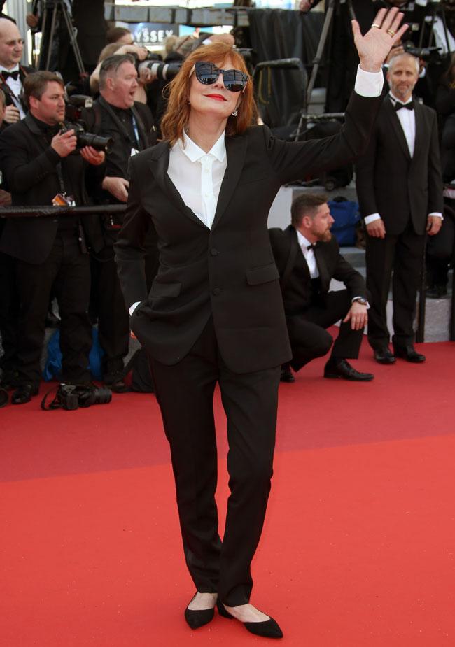 Susan Sarandon, muy elegante con zapatos planos.