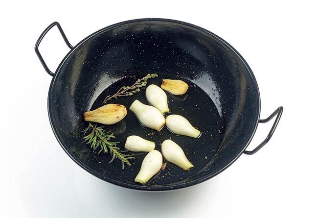 Conejo con cebolletas nuevas