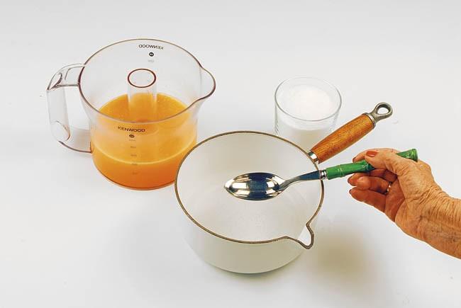 Torrijas integrales al horno con salsa de naranja