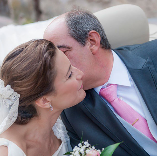 con-su-padre-el-dia-de-su-boda