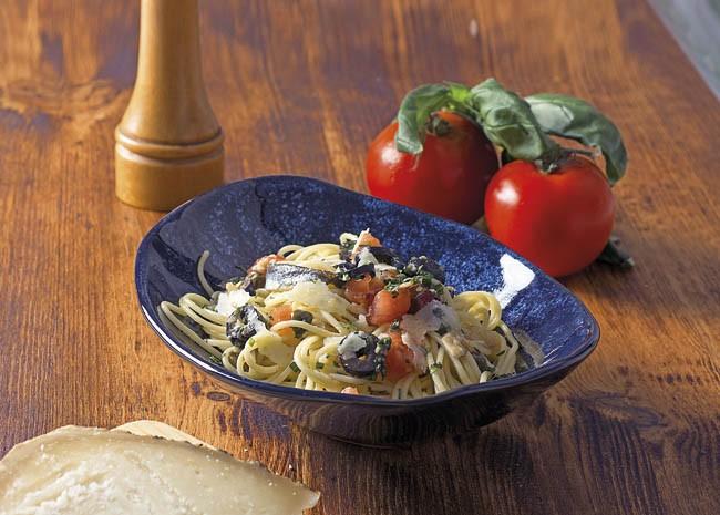Espaguetis con salsa de alcaparras