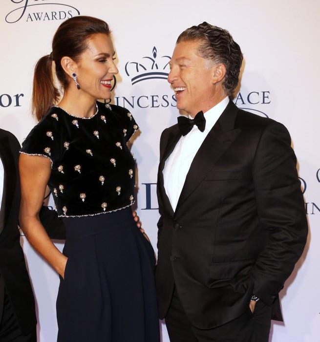 Former model Mar Flores and Elias Sacal at 2016 Princess Grace Awards Gala on October 24th 2016 at Cipriani, New York. en la foto : mirandose a los ojos