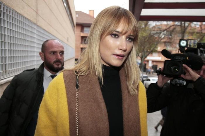 La modelo Alba Carrillo a su llegada a su juicio por separación en Collado Villalba en Madrid. 24/11/2016