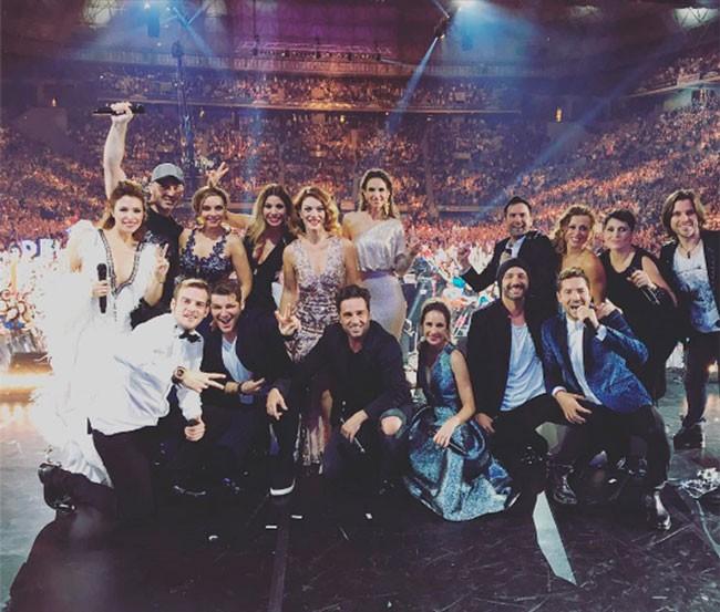 Todos los 'triunfitos' tras terminar el único concierto en el Palau Sant Jordi, de Barcelona.
