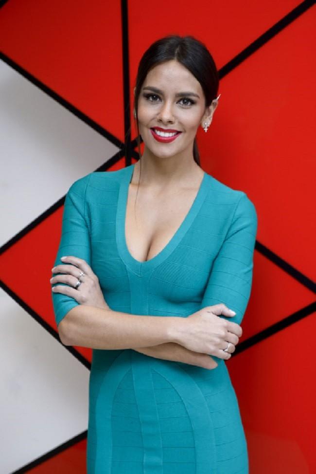 """La presentadora Cristina Pedroche durante la rueda de prensa de la presentacion del programa """"Tu Si  Que Si"""" Madrid 05/01/17"""