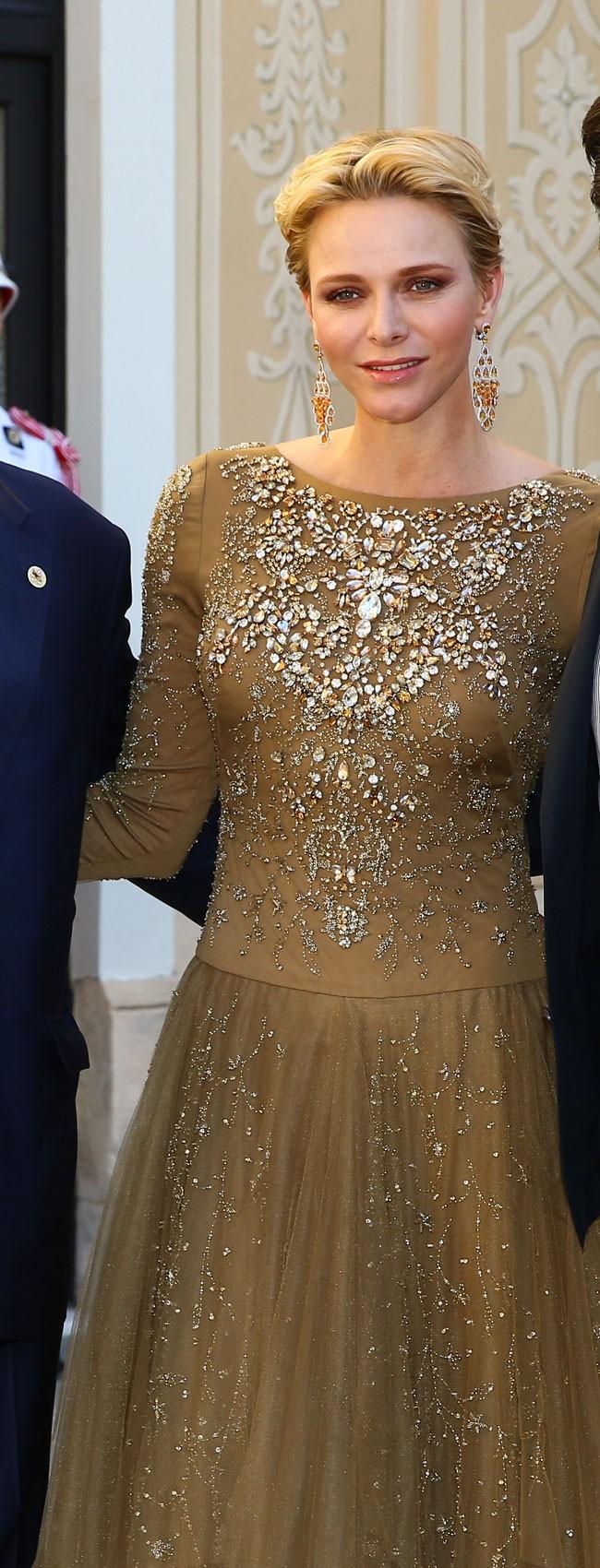 Charlene de Mónaco eligió un diseño de Ralph Lauren.