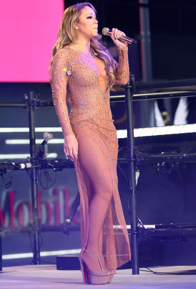 La cantante terminó abandonando el escenario, ante la sorpresa de todos.
