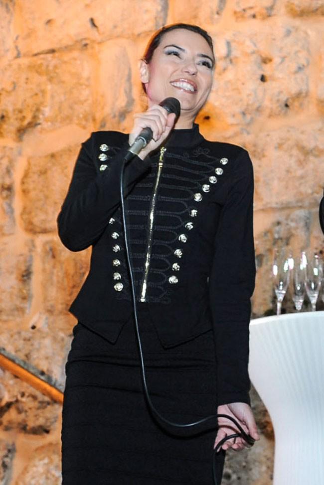 La actriz Mari Cielo Pajares fue la encargada de presentar las campanadas en Marbella.