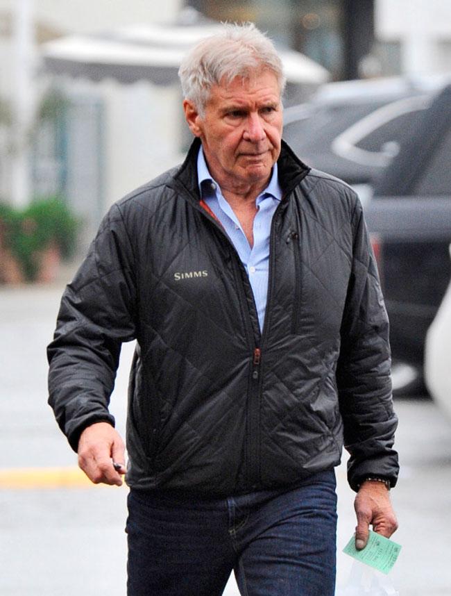 Harrison Ford, de 74 años, está siendo investigado por aterrizar en una pista donde se encontraba un avión con 110 pasajeros.