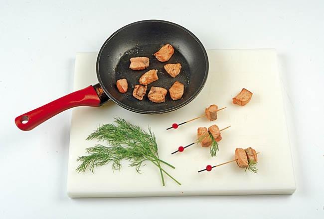 Pinchos de salmón con vinagreta de cítricos