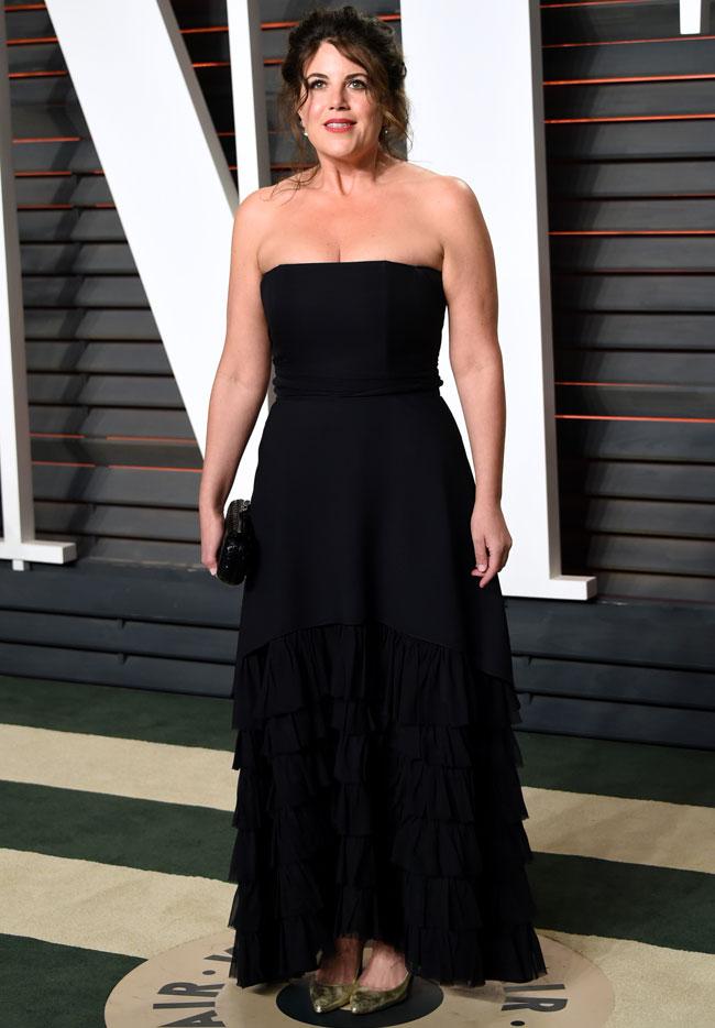 Lewinsky volvió a apostar por el negro para la pasada fiesta posterior a los Oscar.
