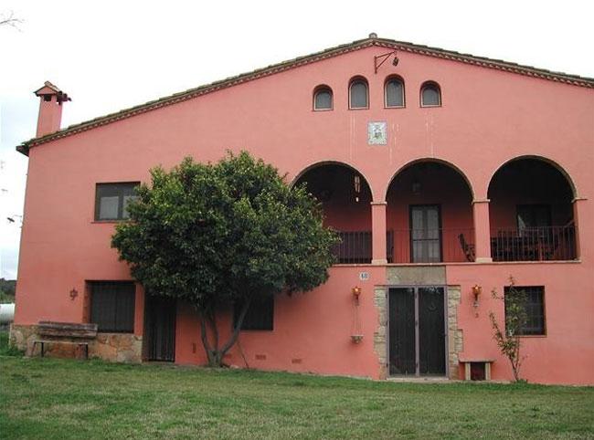 As es la casa rural que paz padilla ha inaugurado en - Casa rural paz padilla girona ...