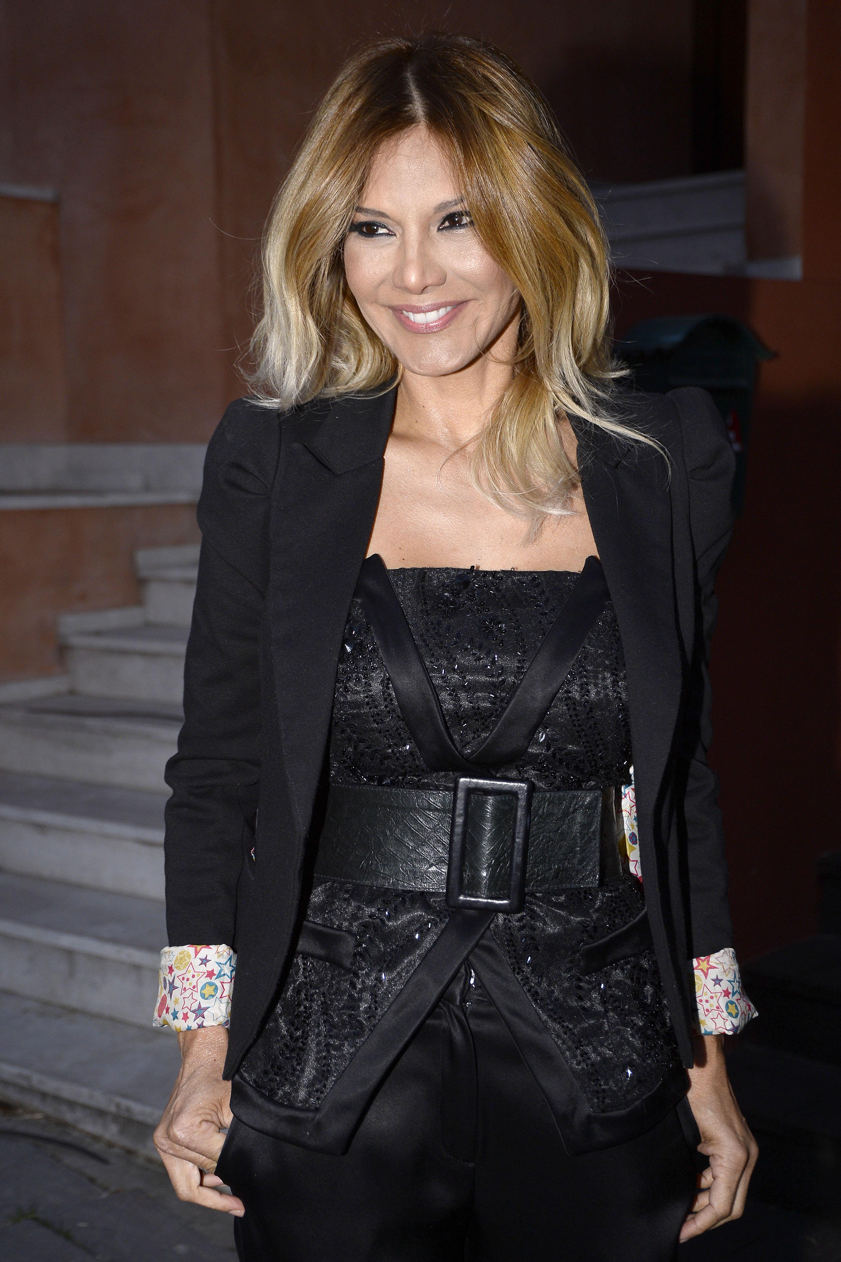 La presentadora Ivonne Reyes por las calles de Madrid. 12/03/2017