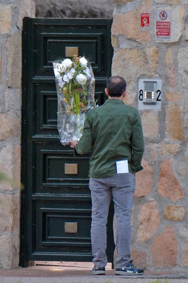 Otro de los ramos de flores que ha recibido en su domicilio la actriz asturiana.