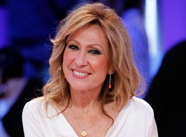 Rosa Benito volverá a la televisión tras su decisión de centrarse en sus actuaciones musicales.