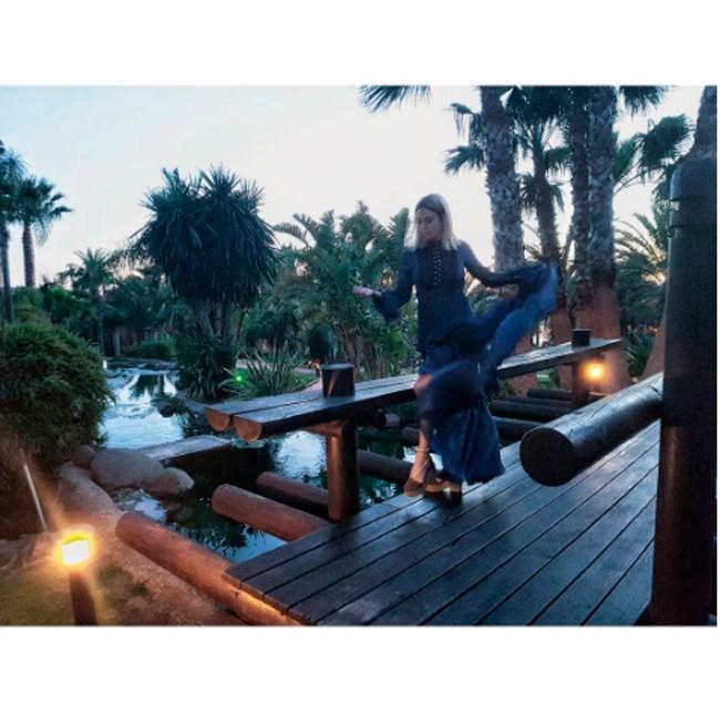 La actriz, en otra de las imágenes que ha compartido de su estancia en el espectacular hotel.