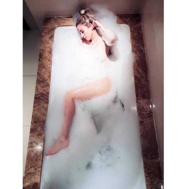 Blanca Suárez ha compartido esta sensual fotografía tomada en el hotel de Cádiz donde ha disfrutado de unos días inolvidables.
